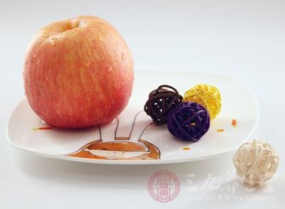 睡觉前吃苹果好吗 这样吃苹果竟有效预防龋齿