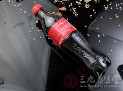 一天一瓶可乐 知道这些你还敢怎么干吗