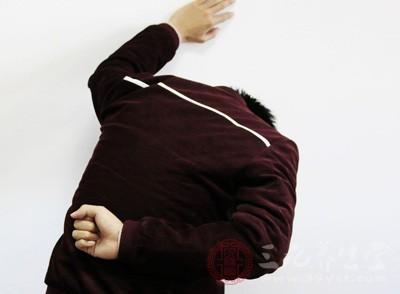 腰疼挂什么科 腰疼是什么原因引起的