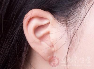 中医如何治疗耳聋 按摩这些穴位可防治耳聋
