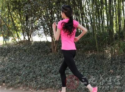 跑步是饭前好还是饭后好 空腹健身有什么影响