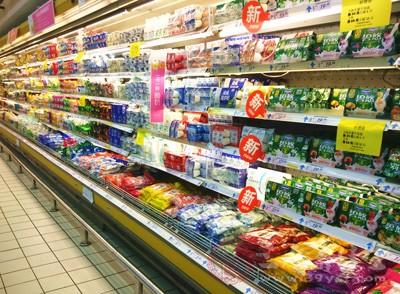 民福康认为,购买儿童食品一定要去正规的商店购买