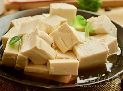 豆腐怎么做好吃 食用豆腐要注意这些