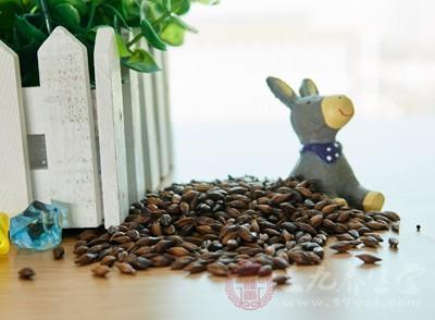 大麦茶具有养胃健脾、解油腻、帮助消化等功效