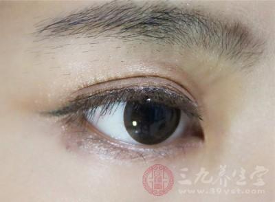 眼霜的作用 你的眼霜适合你吗