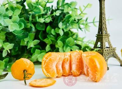 橘子味道酸,当中富含维生素,还含有丰富的钙质