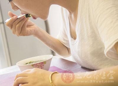 产妇保质保量吃好早餐