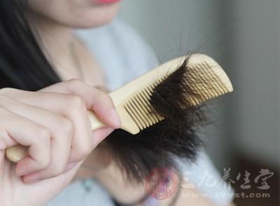 梳头是一件很好的事情,它能够帮助我们更好的保护身体健康