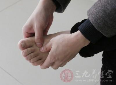 脚脱皮是缺什么维生素