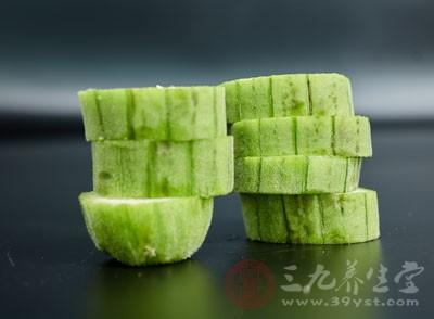 丝瓜子味苦,性平,具有清热化痰,消炎杀虫的功效