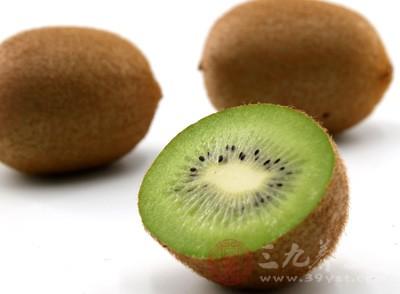 猕猴桃当中含有膳食纤维、维生素C等,这些都是孕妇需要的营养