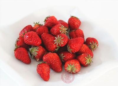 草莓既能养肝,又是去肝火