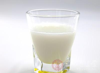 牛奶好还是奶粉好 有哪些好处