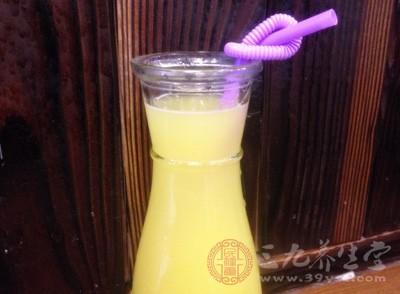 香港两果汁棒曲霉素超标 可损神经影响胎儿