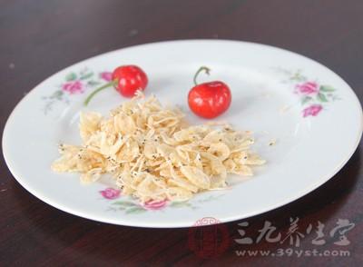 虾米的胆固醇含量较高,长期过量摄入,可引起血脂增高