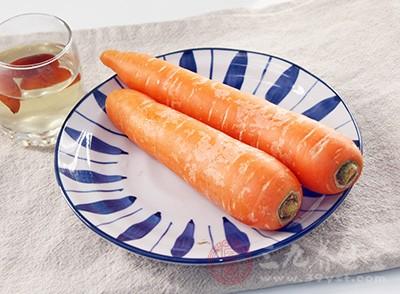 不吃胡萝卜的人比大量食用胡萝卜的人,肺癌发病率要高7倍