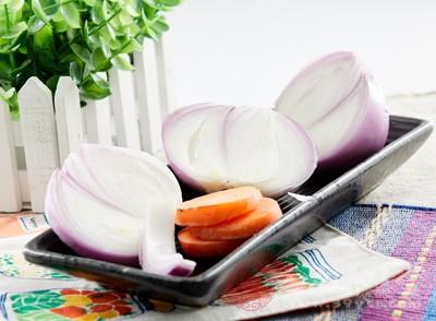 吃洋葱有什么好处 吃洋葱竟能治六种疾病
