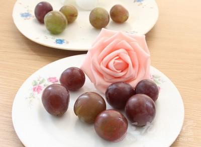 葡萄有補血的作用,可以生津除煩渴
