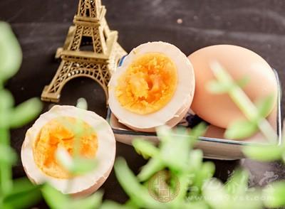 感冒能吃鸡蛋吗 吃鸡蛋不注意这点竟火上浇油