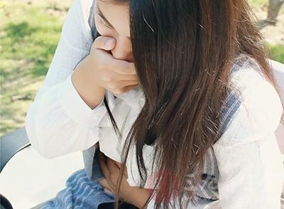 口苦也说明肝胆经络出现问题,同时表示胃气不降