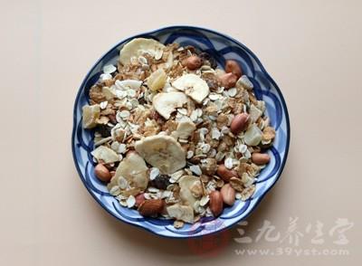 燕麦、全壳类脆片,作为主食