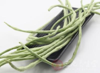 这种自带毒素的蔬菜,比如豆角、鲜黄花菜、芸豆、扁豆等