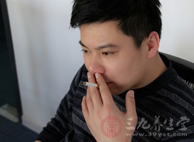 抽烟、喝酒都是引起的原因之一