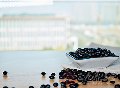 黑豆怎么吃能黑发 黑豆还有哪些功效