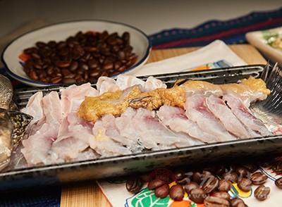 可以用鱼肉、鸡肉等白色肉类代替牛羊猪等红肉