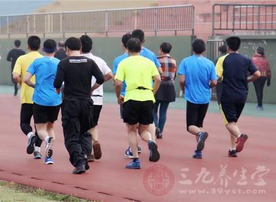 跑步时间多长合适呢 这个点跑步等于慢性自杀