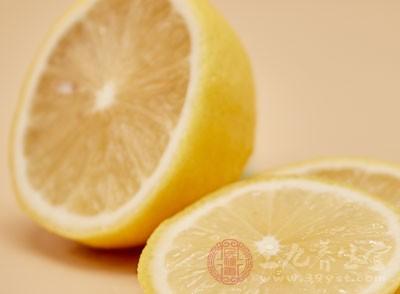 柠檬蜂蜜水的功效 什么时候喝效果好