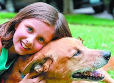养狗能降低孩子发生哮喘的几率
