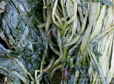 老人竟是因为吃了炒制的咸菜导致亚硝酸盐中毒