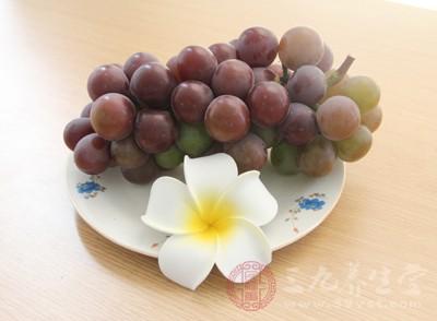 多吃葡萄的好处 可以排毒抗衰老