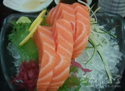 推荐食物:富含不饱和脂肪酸的鱼肉