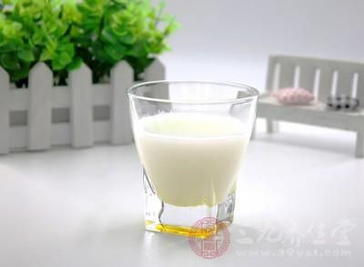 牛奶也是一种很不错的选择的