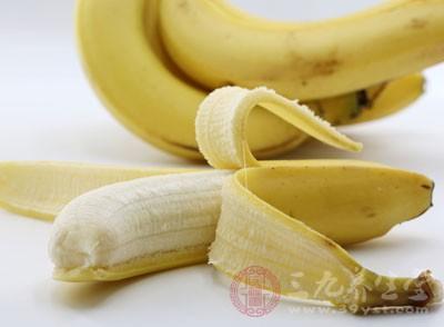 多吃高钾质食物如香蕉