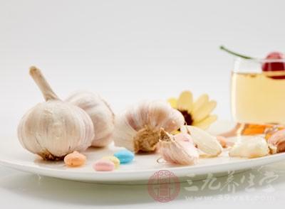 属百合科植物,性辛、温,味辣
