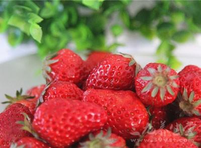草莓的功效有哪些 可以帮助身体排毒