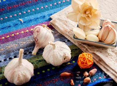 大蒜中含有一种非常特殊的物质
