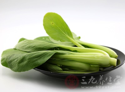 蔬菜的选择要尽量到正规的蔬菜市场或者超市买新鲜的蔬菜