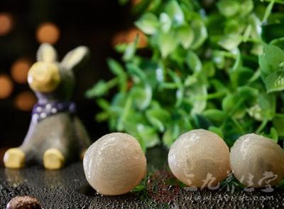 桂圆是属于比较滋补的水垢