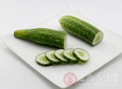 黄瓜中含有丰富的维生素E,可起到延年益寿
