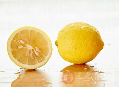 柠檬富含维生素C