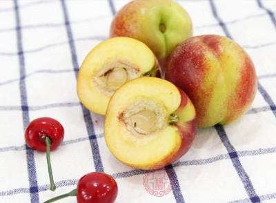 空腹的时候不能吃桃子相信很多的朋友应该都是比较熟悉的