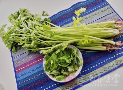 芹菜的做法大全 爱吃芹菜的人必看