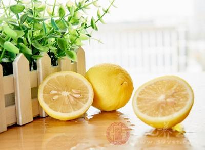 天然柠檬水排毒法