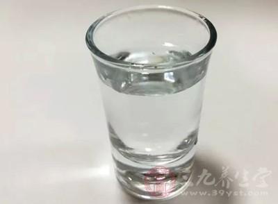 所以,肾功能不全人群也需要喝水