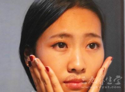 快速瘦脸的方法 在生活中也能瘦成小V脸