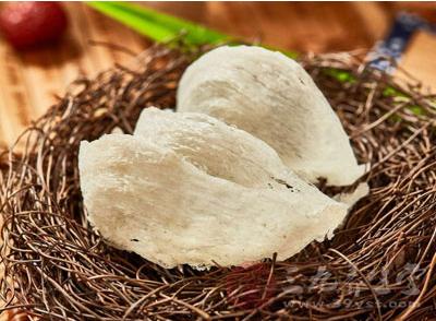 对蛋白质食品有过敏反应的过敏体质者,可以每次1克干燕窝、隔天一次